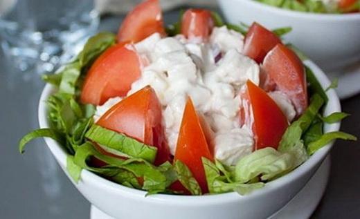 Салат с розовых сортов помидор