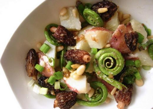 Салат со сморчками